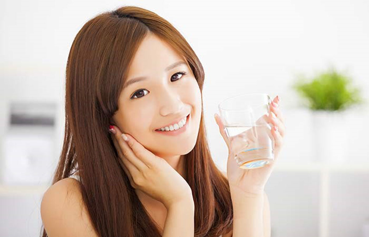 Image 3 Amazing Benefits Of Water Therapy To Get Glowing Skin