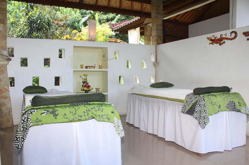 BALINESE-BODY-MASSAGE-andre-spa.jpg