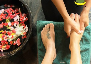 Image Pedicure with Polish