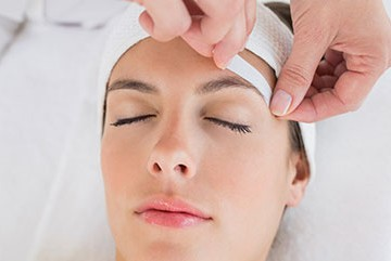 Image Waxing Eye Brow
