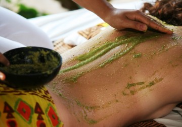 Image Massage and Body Scrub (Choice of body scrub : coffee, coconut, green tea)