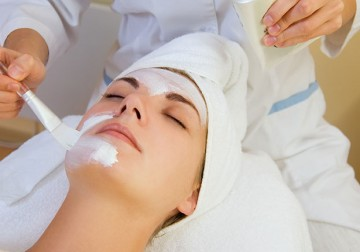 Image Waxing for Female Chin