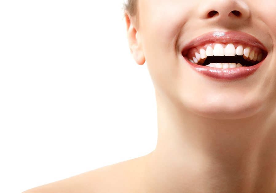 Image 3 Natural Ways to Whiten Teeth at Home