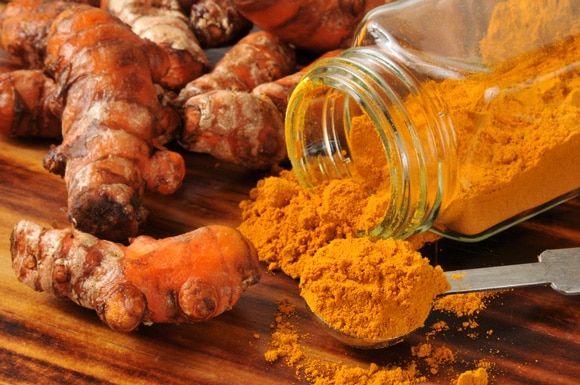 Image 10 Amazing Turmeric Benefits For Youthful Skin & Great Hair