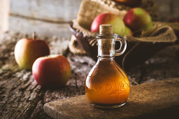 Apple Cider Vinegar Sore Throat Soother